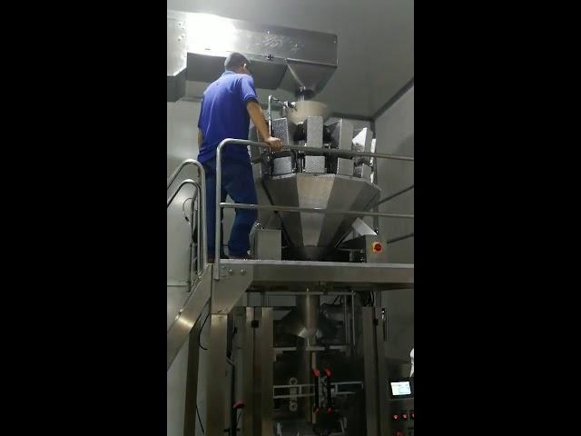 Kina automatisk mad snacks sukker candy pulver frø nødder pulver lodret pakkemaskine